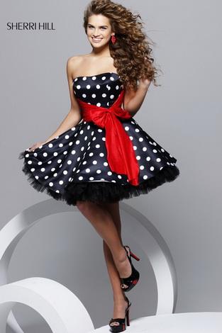 Короткі плаття на випускний