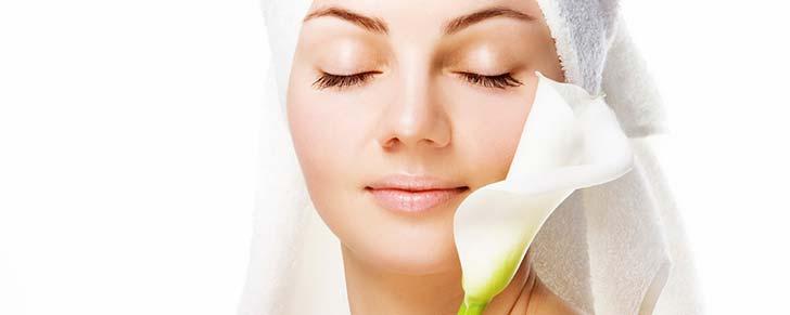 Як допомогти зневодненній шкірі обличчя