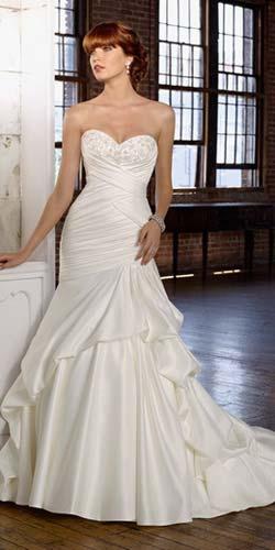Модні сукні з корсетом 2011 фото