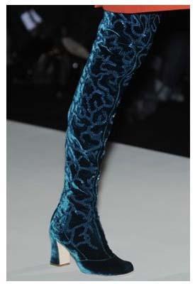 Чоботи 2011-2012: модне взуття
