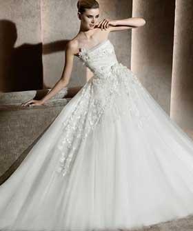 Дизайнерські весільні сукні 2012 – Любов + Мода 28a979f07d4fa