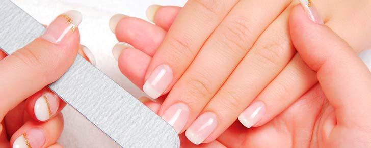 Догляд за нарощеними нігтями