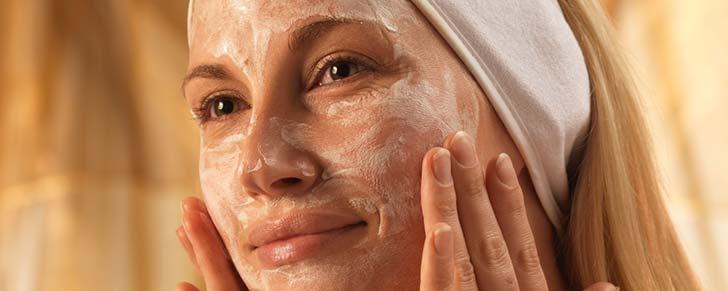 Як робити маски для чутливої шкіри обличчя