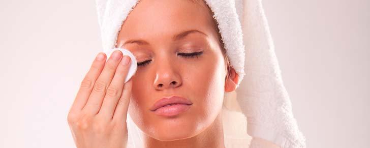 Як робити маски проти мішків під очима