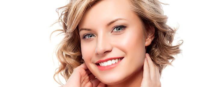 Відбілювання зубів перекисом водню в домашніх умовах