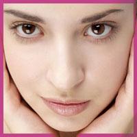 Як очистити шкіру навколо очей