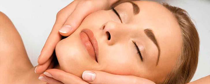 Як очистити обличчя від прищів і вугрів