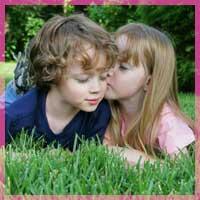 Перше кохання: спогад або урок на все життя?