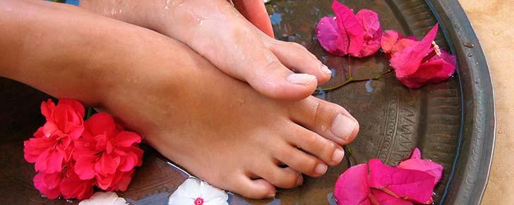 Як зняти втому ніг: ванни або масаж?