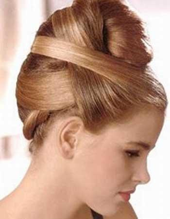 Кращі зачіски для випускного балу