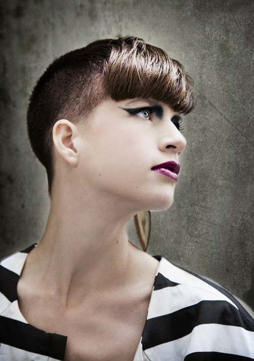 Жіночі зачіски з поголеними скронями - тренд 2012 року!