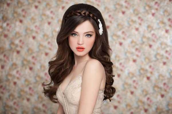 Весільні зачіски і макіяж для
