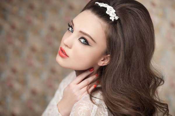 b177758ac3da01 Весільні зачіски і макіяж для нареченої – Любов + Мода, біжутерія ...