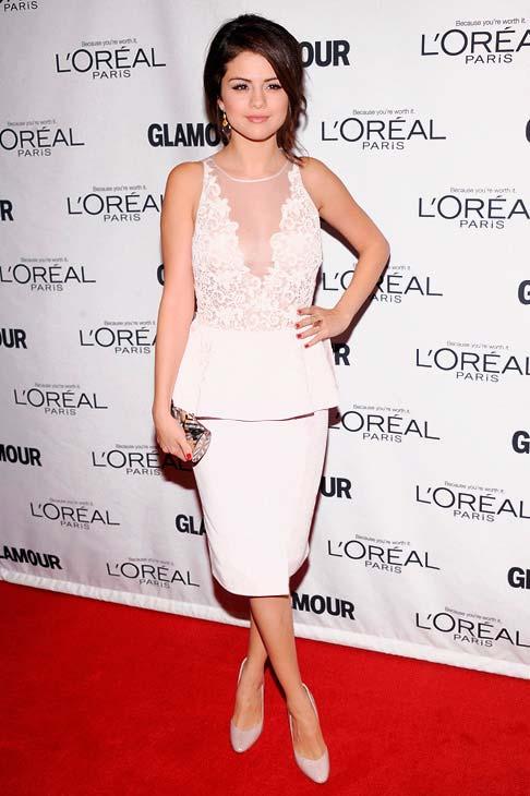 Модні білосніжні сукні - зоряний фетиш (фото)Модні білосніжні сукні - зоряний фетиш (фото)
