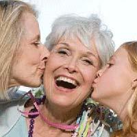 Що подарувати бабусі на 8 березня