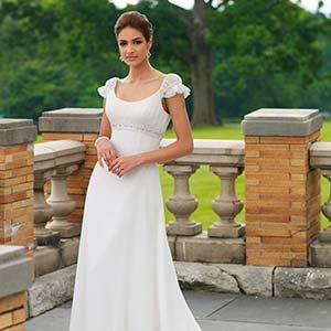 Модні сукні для заручин 2013