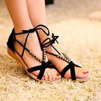 Як вибрати літнє жіноче взуття  – Любов + Мода 98694d9b0d5d4