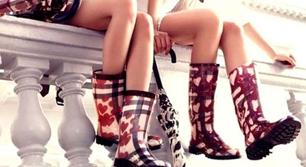 З чим носити модні гумові чоботи?