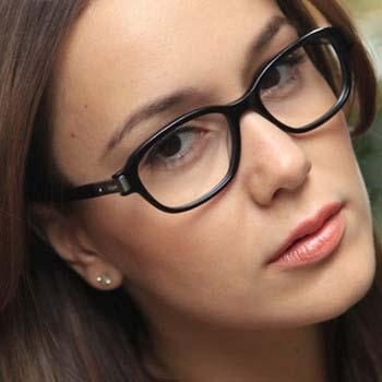 Як правильно вибрати форму і оправу для окулярів